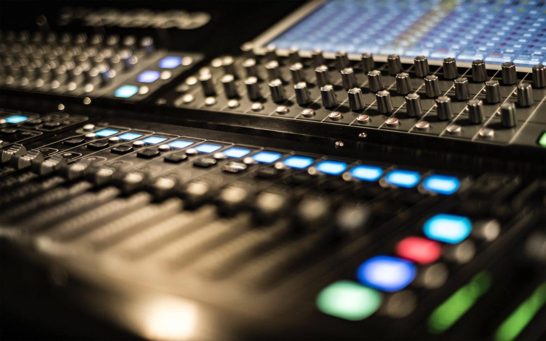 Commercial Radio 7